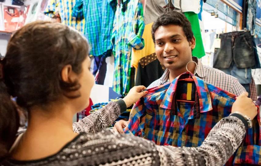 Ношение одежды любимого снимает стресс: необычное исследование ученых
