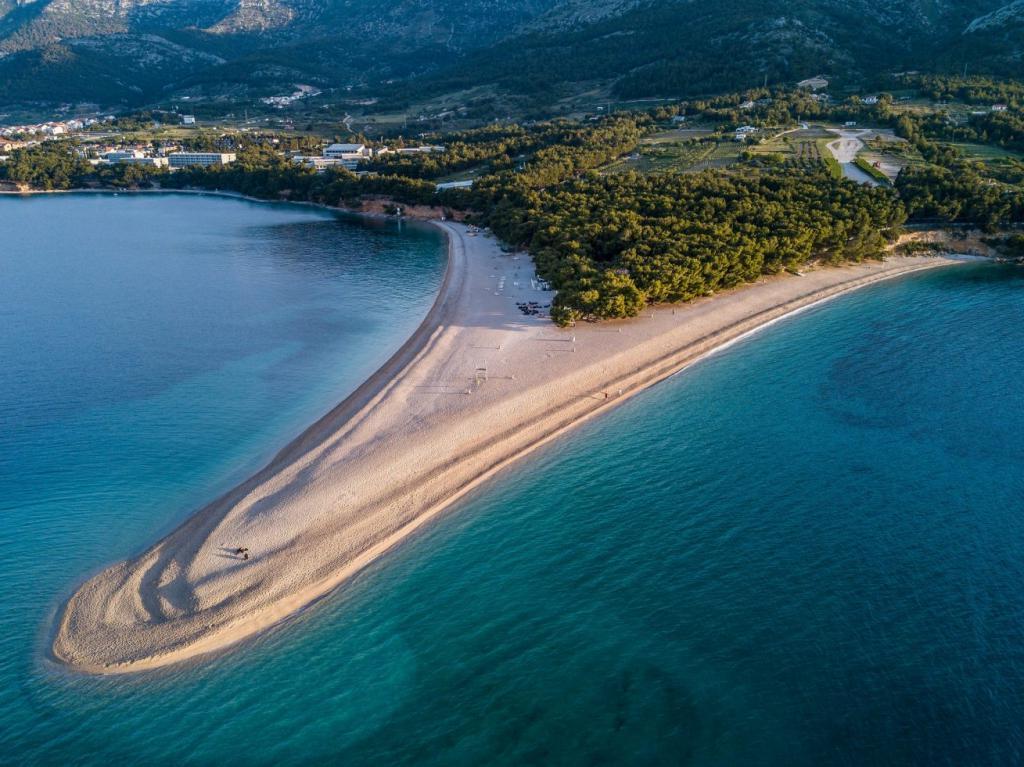 слой пляж золотой рог в хорватии фото фото