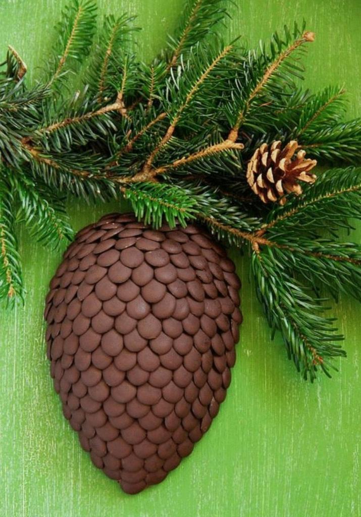 """Торт """"Еловая шишка"""": вкусный десерт для новогоднего стола"""