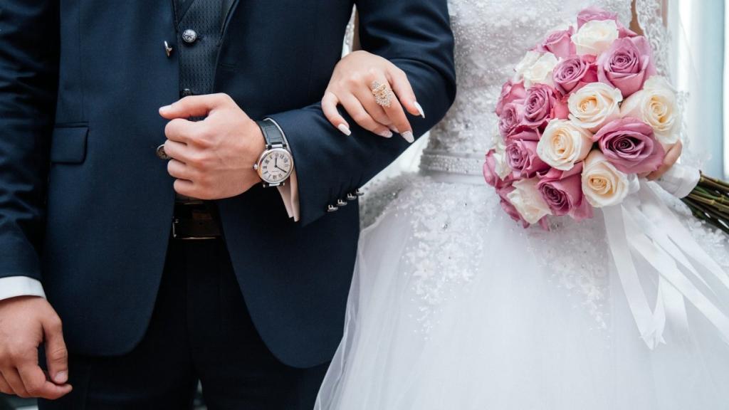 Невеста во время свадьбы сказала тост. Услышав его, свекровь покинула торжество