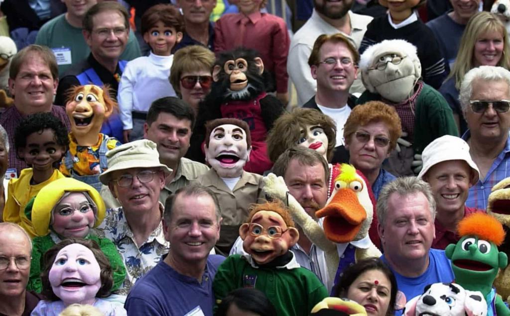 Всемирная ассоциация клоунов, фестиваль близнецов: самые невероятные сообщества людей по интересам