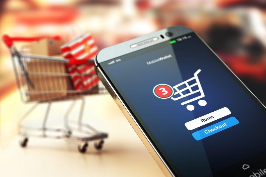 Удобно и шире охват клиентов: почему выгоднее запустить интернет-магазин, чем открыть обычный