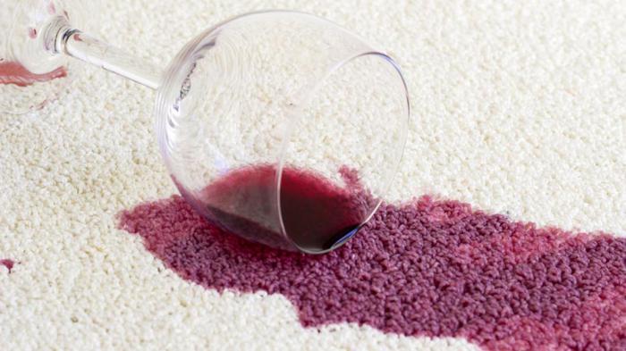 Как удалить пятно вина с ковра фото
