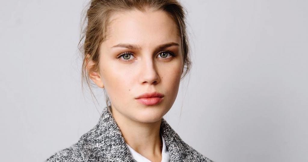 Актриса Дарья Мельникова решила победить шопоголизм, целый год не покупая новые вещи
