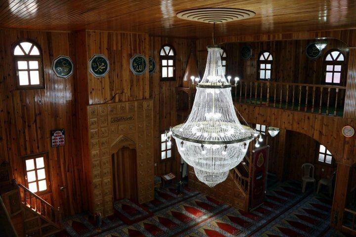 Небольшая турецкая мечеть простояла уже 200 лет без единого гвоздя. Но туристов больше интересует, зачем строители наклонили пол на 10 градусов