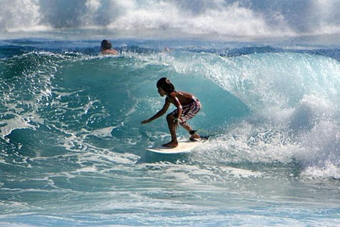 Спокойные воды гавайских подводных заповедников изобилуют богатством морской флоры и фауны: лучшие пляжи и места для водных видов спорта на Гавайских островах