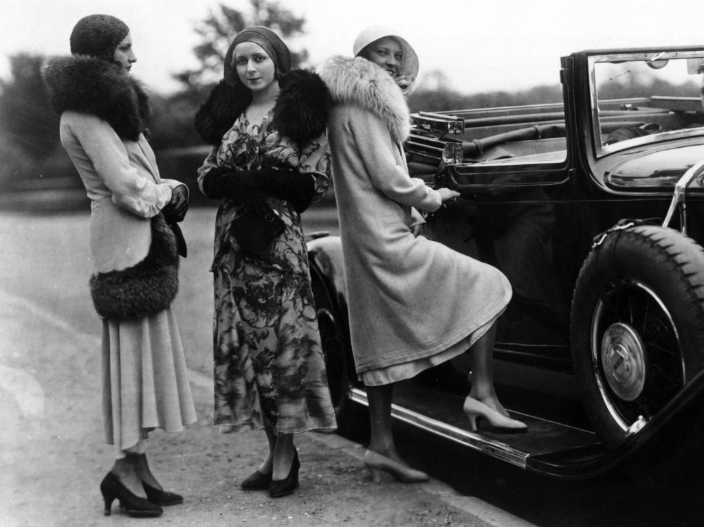 Мода 100-летней давности возвращается: дизайнеры в восторге от винтажных нарядов