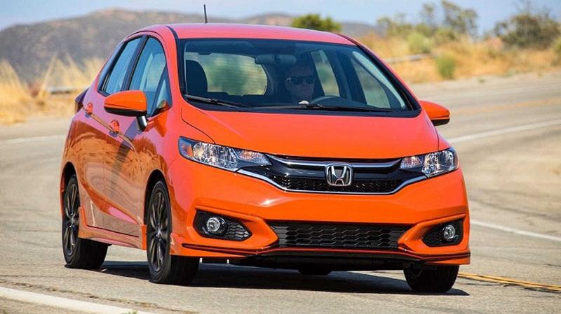 5 моделей автомобилей, которые подойдут водителям, не любящим технологические навороты