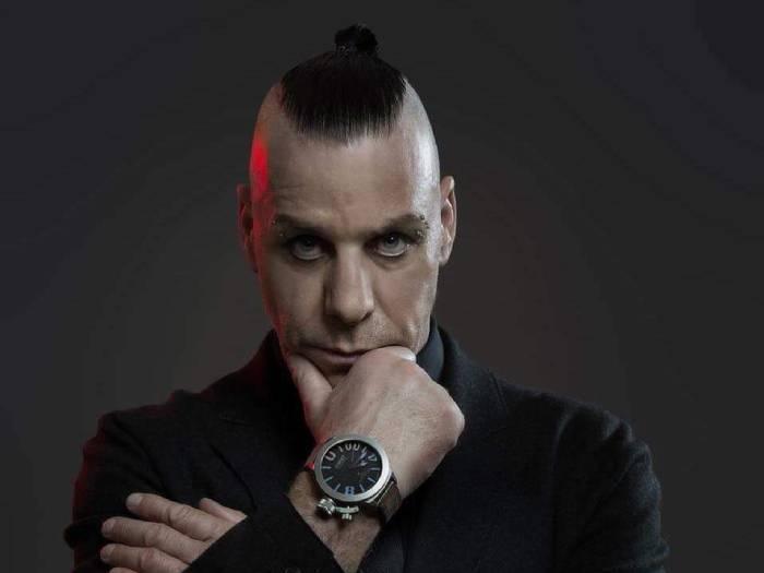 Иван Ургант сменил имидж и стал похож на солиста Rammstein