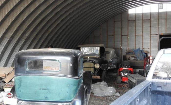 Они пылились в гараже 50 лет: в Айове обнаружили коллекцию довоенных американских легковых и грузовых автомобилей
