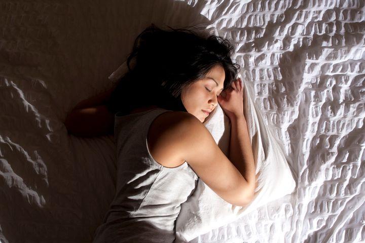 Почему мы помним только малую часть своих снов? Несколько факторов, которые на это влияют: что мы делаем после того, как просыпаемся, и сколько мы спим