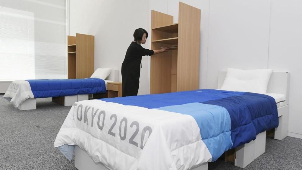 Спортсмены-участники Олимпиады в Токио будут спать на картонных кроватях (фото)