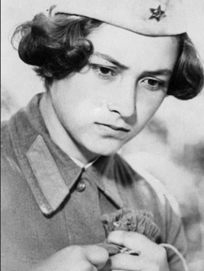 Актрисе, сыгравшей Соню Гурвич в фильме «А зори здесь тихие», уже 70 лет. Как выглядит Ирина Долганова сейчас и чем она занимается