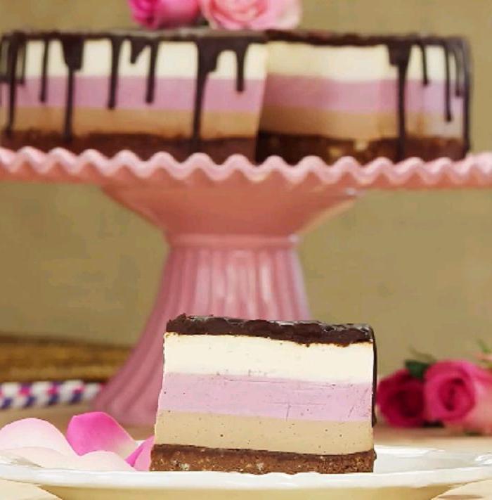 """3 вкуса, 3 аромата: готовим клубнично-шоколадный торт с """"Нутеллой"""""""