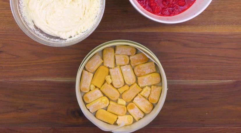 Тирамису по-новому: потрясающее сочетание ягод и нежного крема