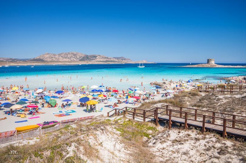 Италия славится своей уникальной природой и красивыми пляжами: куда стоит отправиться ради расслабляющего отдыха