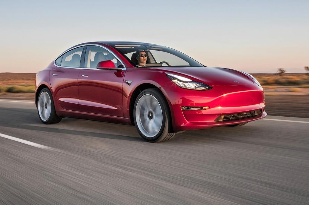 Tesla Model 3 считается самым безопасным автомобилем. Предложен приз 500 000 $ тому, кто сможет взломать автомобиль