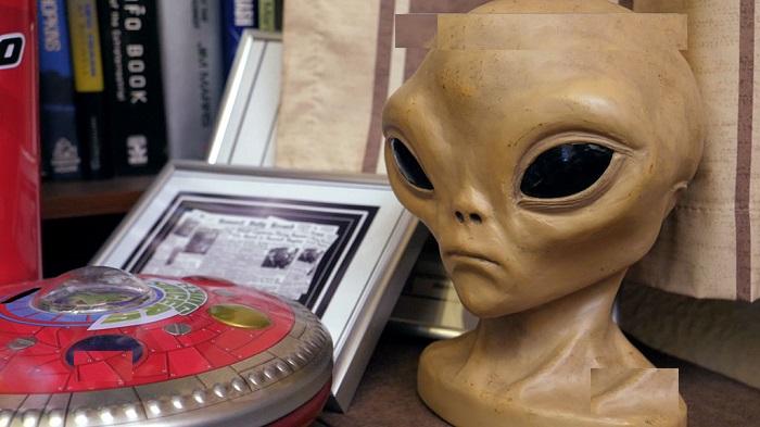 Могут ли инопланетяне существовать среди нас: астробиолог говорит, что существуют формы жизни, которых мы не замечаем