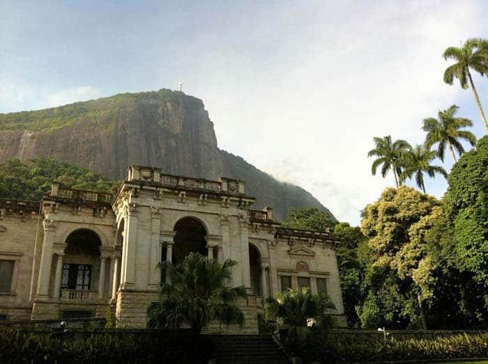 10 вещей, которые должен сделать в Бразилии каждый турист: посетить футбол, водопады и т. д.
