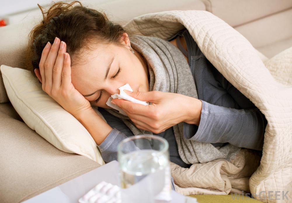 Почему простуда у некоторых людей протекает очень болезненно: виной особые бактерии в носу