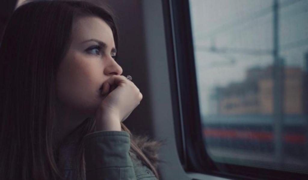 Звонок другу и другие способы успокоить стресс, даже когда мысли выходят из-под контроля