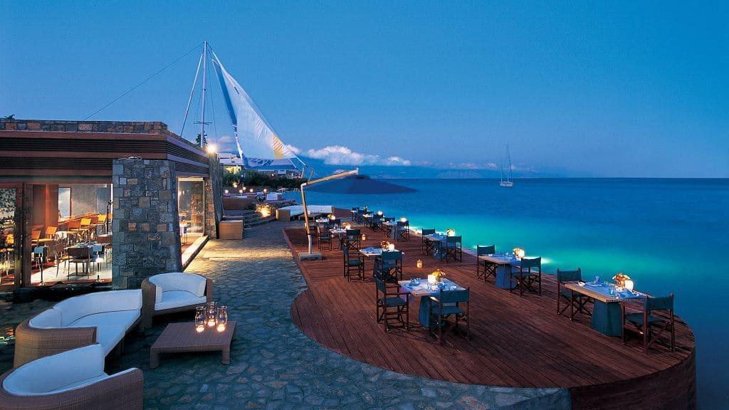 Фото кафе с видом на море