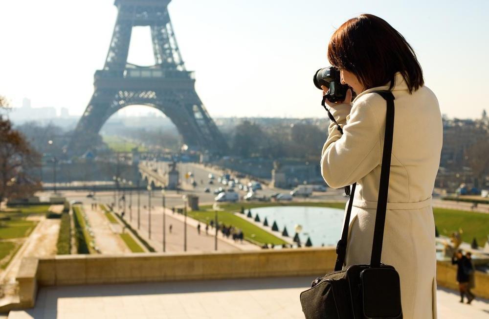 Турист с фотоаппаратом картинка