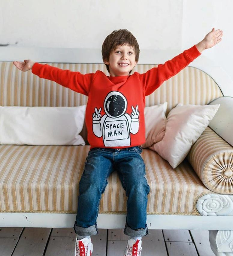 На новых снимках подросший сын Стаса Пьехи невероятно похож на него