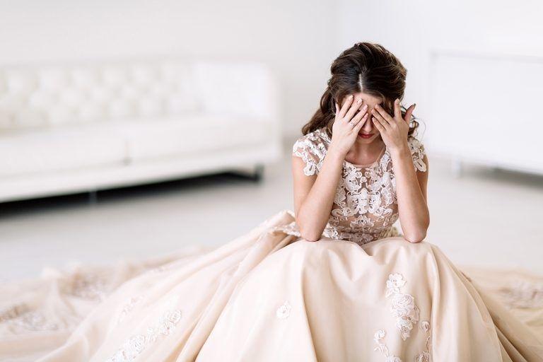Девушка решила отменить свадьбу из-за измены, но сестра захотела занять ее место