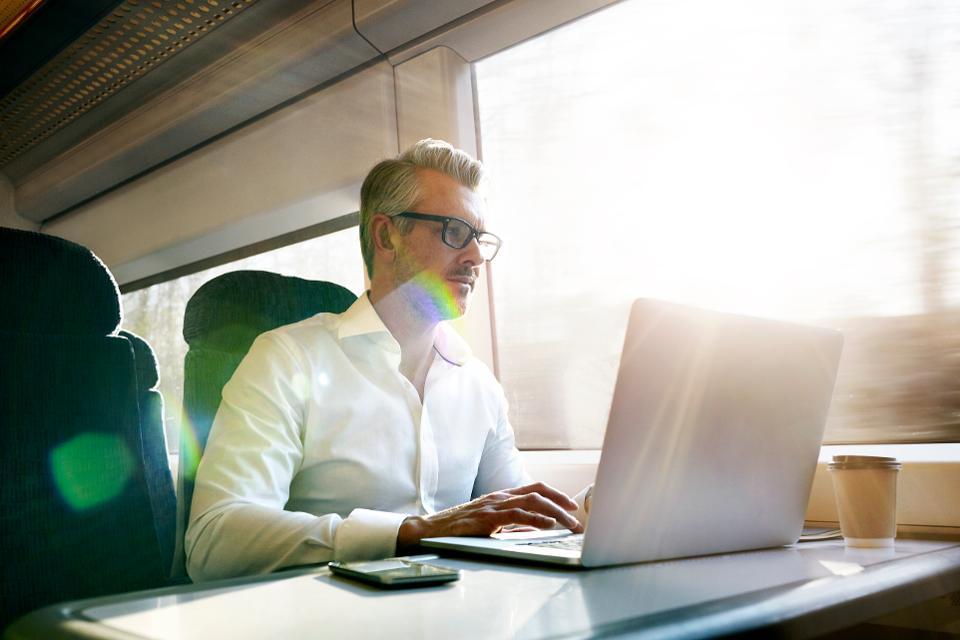 Удаленная работа может полностью изменить индустрию путешествий. Можно работать прямо в поездке