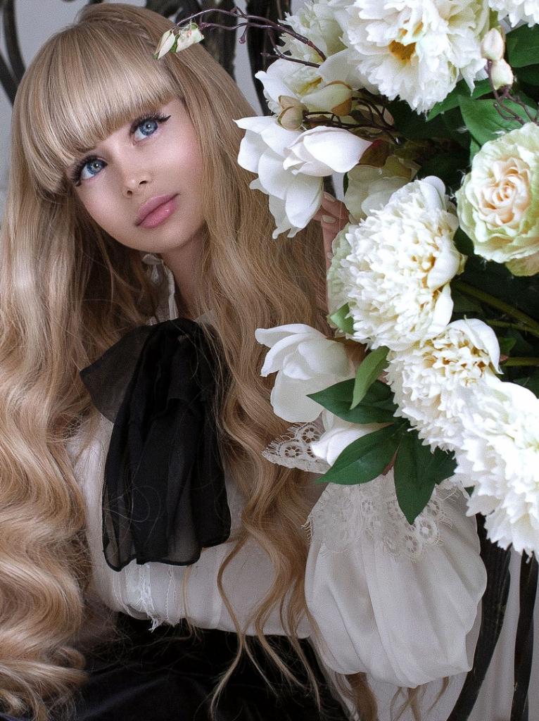 Как выглядел единственный парень, с которым русская Барби Анжелика встречалась в 18 лет (фото). С тех пор мужчины для нее под запретом родителей