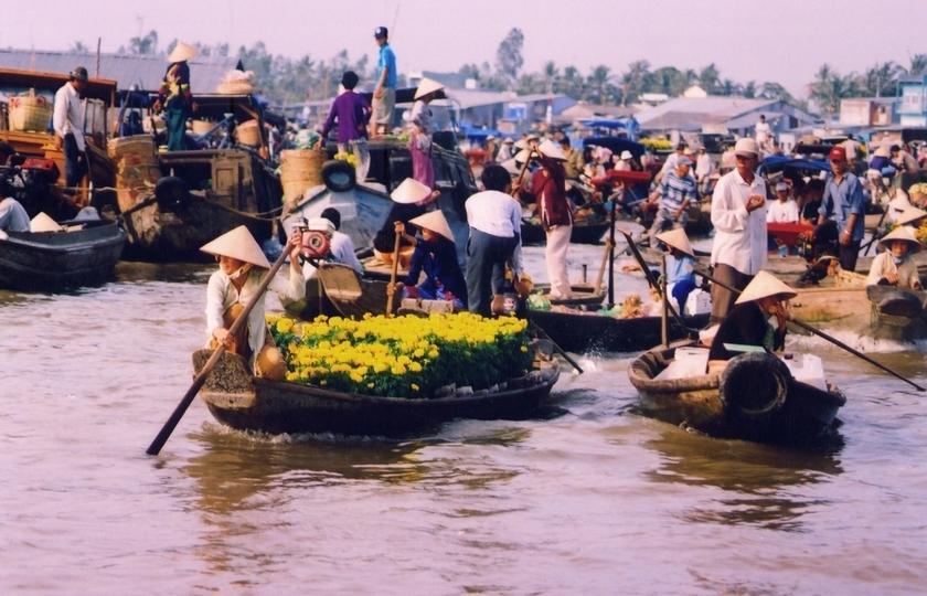 Меконг питал цивилизации на протяжении тысячелетий. Сегодня он почти пересох из-за строительства плотин, массового вылова рыбы и добычи песка