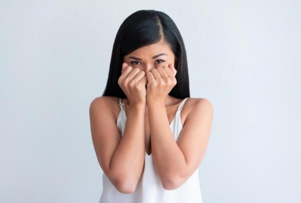 Сплетники и пессимисты - психологи назвали 4 типа токсичных людей с негативной энергией, с которыми лучше не общаться