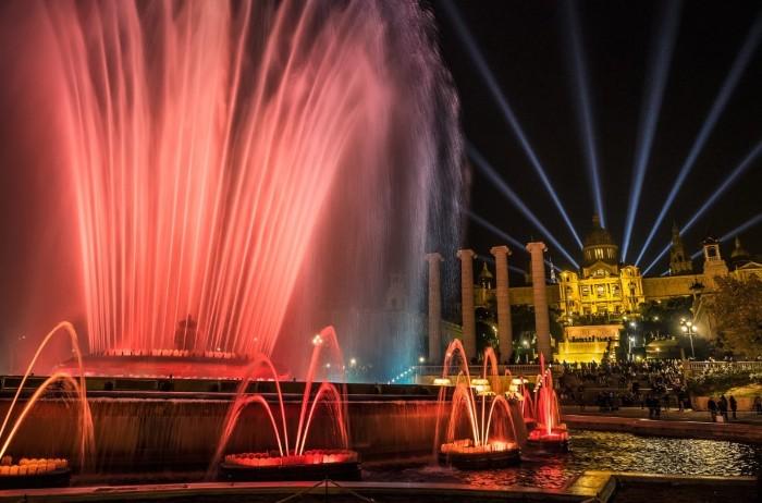 Идеи для бюджетного отдыха в столице Каталонии: где остановиться на ночлег, чем питаться и что можно бесплатно посмотреть в Барселоне