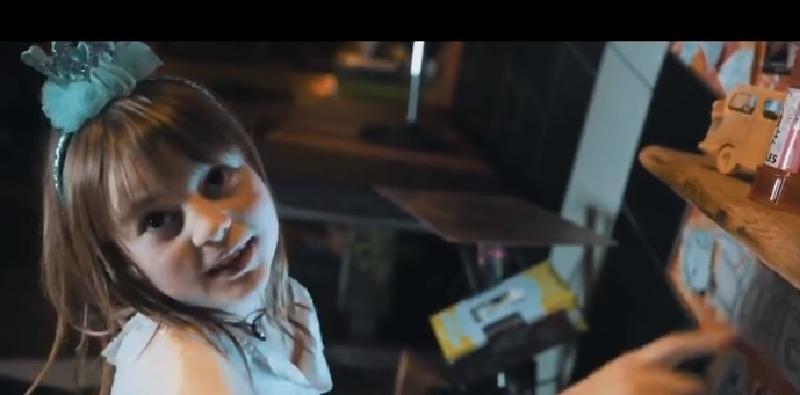 Познакомьтесь: Майя Лу, 9-летняя татуировщица. Первым ее клиентом 7 лет назад стал папа