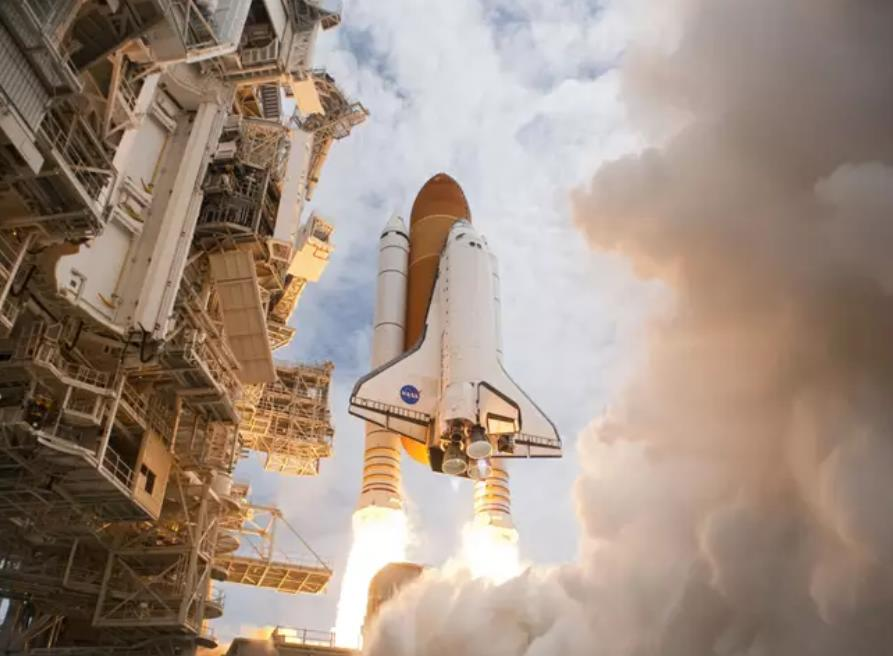 NASA открывает вакансии для тех, кто хочет стать астронавтом и отправиться на Луну