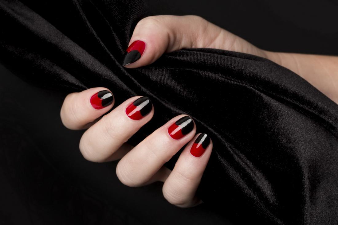 Красивый красно-черный маникюр фото