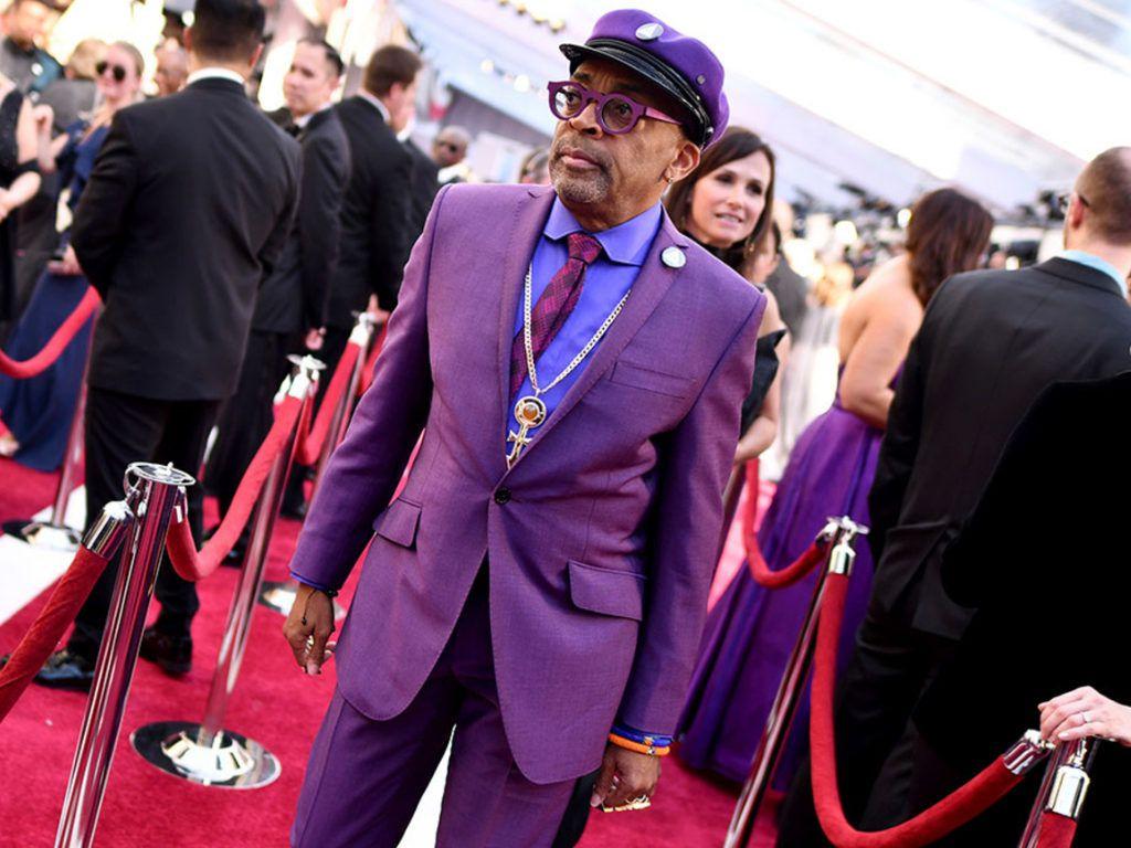 """Фиолетовый смокинг, наряд-люстра, платье с карманами: самые """"дикие"""" ковровые дорожки 2019 года, запомнившиеся необычными нарядами звезд"""