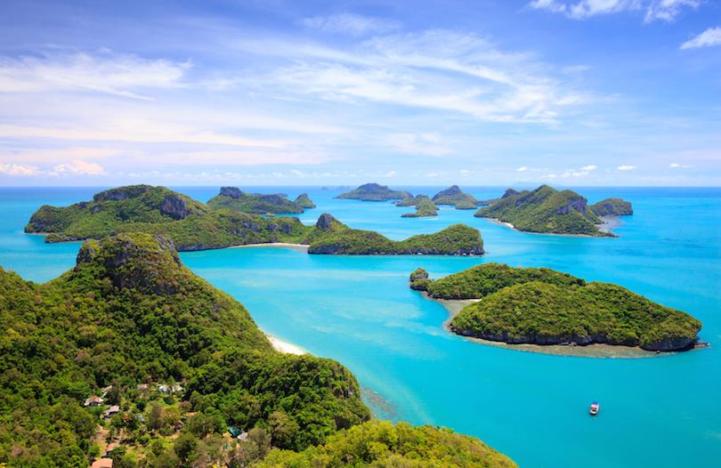 Маманука - острова, где снимался Том Хэнкс, а остров Болс-Пирамид имеет высоту в полкилометра: 10 известных необитаемых островов по всему миру