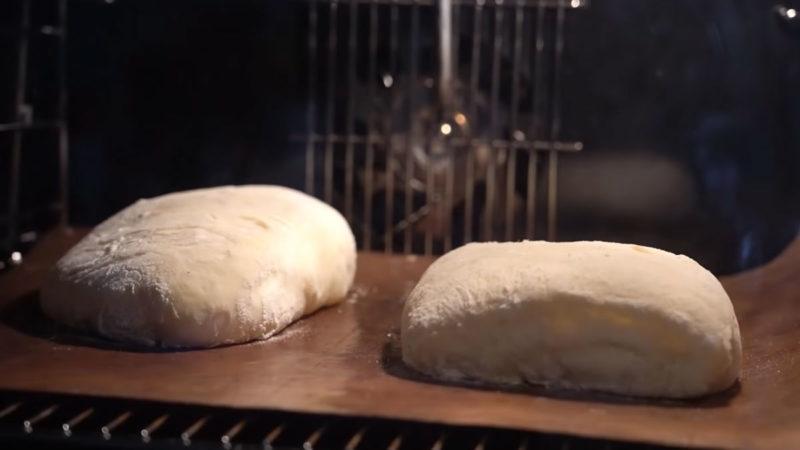 С тех пор, как научилась печь чиабатту, не хожу за хлебом в магазин: тем более сейчас, в условиях пандемии