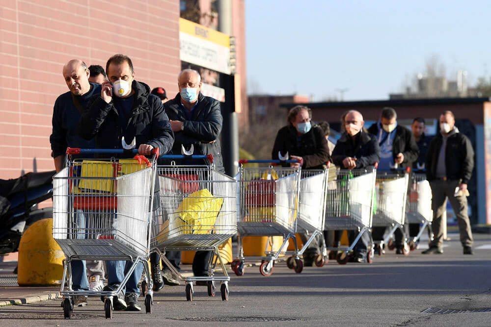 Покупайте только необходимое и рассчитывайтесь карточкой. Как безопасно посетить магазин и сделать покупки в условиях карантина