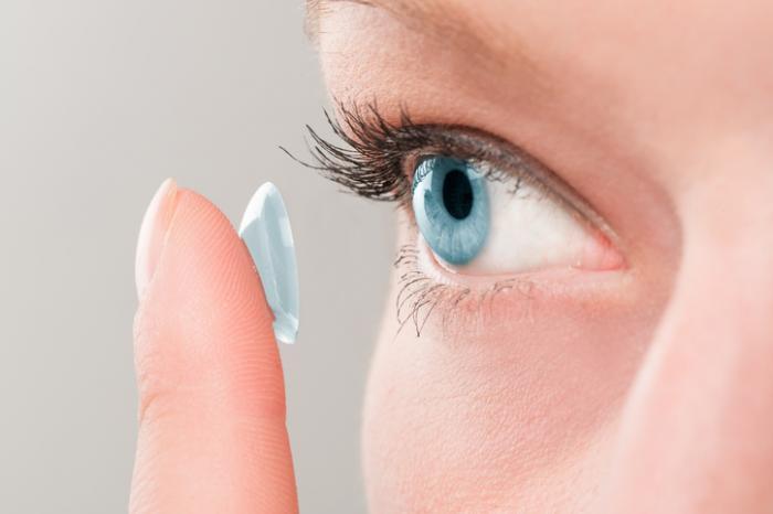 Воздержаться от линз: почему во время коронавируса лучше перейти на очки