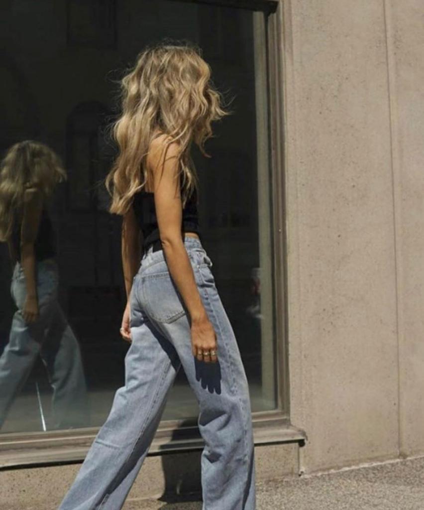 Забудьте про пижаму: джинсы этого сезона настолько удобны, что их можно носить даже дома
