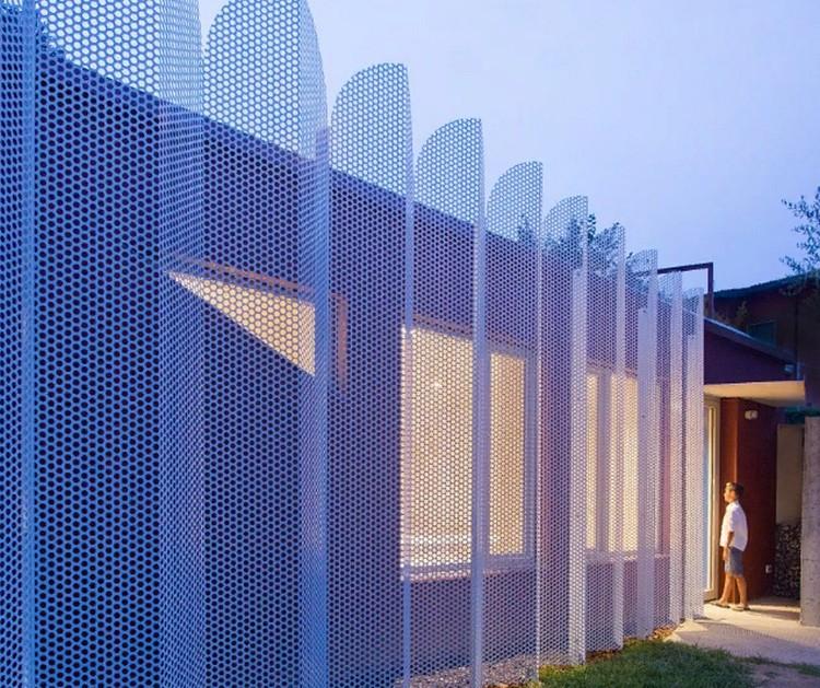 Архитектор превратила кладовку итальянской виллы в квартиру для самоизоляции большой семьи или сдачи в аренду (10 фото)