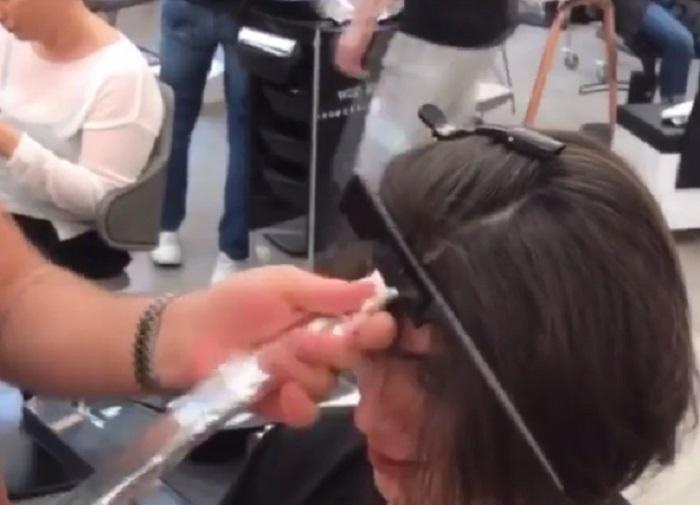 Пришла к стилисту с длинными волосами, а он взялся за ножницы: фото