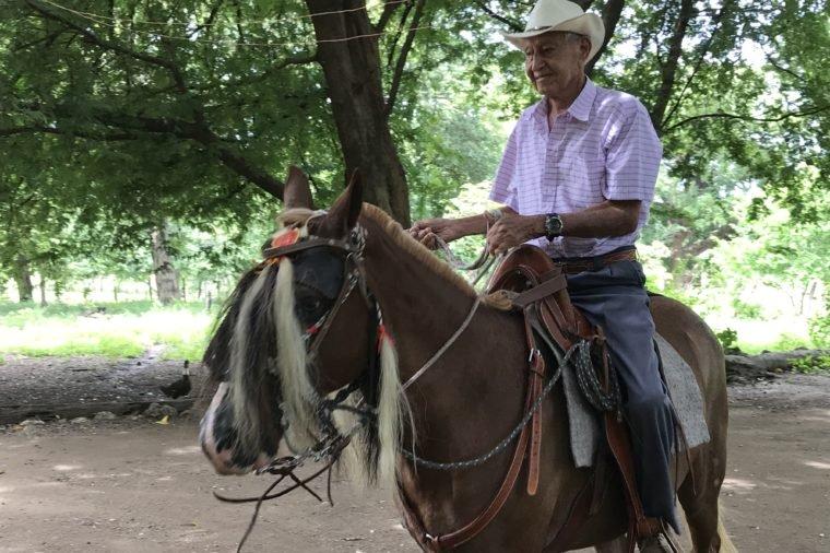 Как людям из Коста-Рики удается жить до ста лет: их девиз - живи просто! Но это не единственная причина