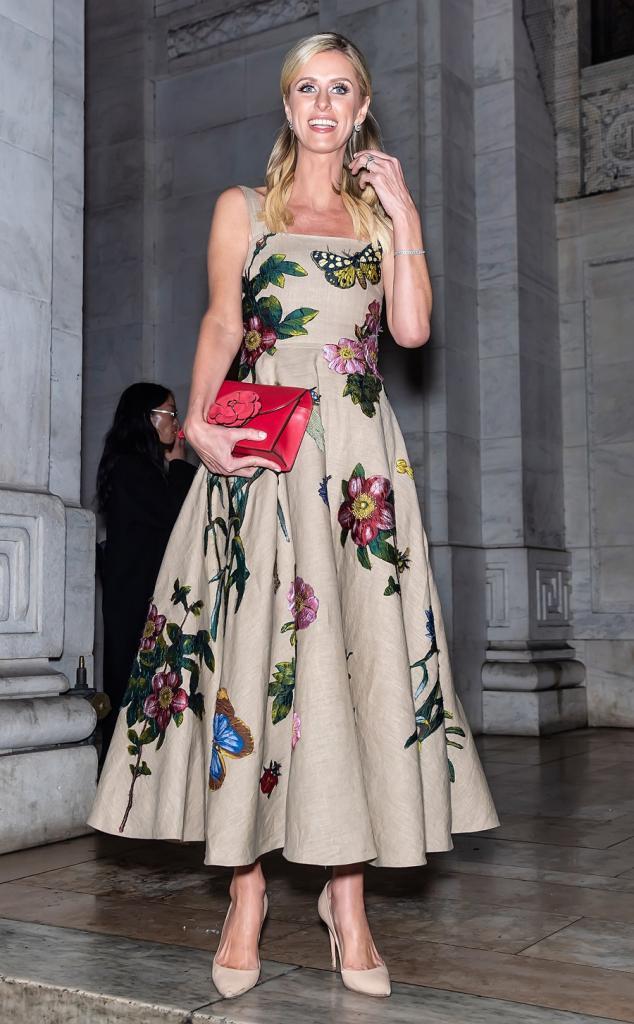 3 модели платьев, которые создадут талию, если ее не хватает