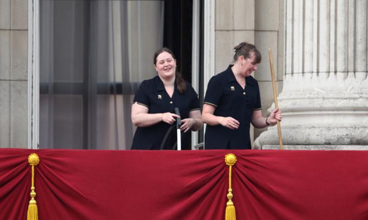 И стены моют: прислуга британской королевской семьи рассказала, как они убираются в условиях коронавируса