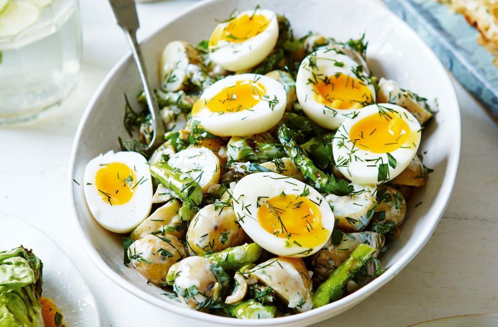 """Салат """"Мужская слабость"""": делаю его с яйцами и картошкой"""