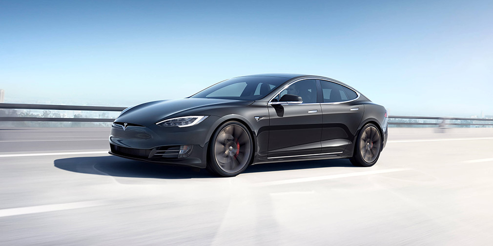 Илон Маск собирается встроить Minecraft и Pokemon Go в автомобили Tesla: оригинальная идея